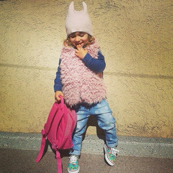 Instagram - E M M A sweet 🐱🐱 #mediahorakids #mediahora #fashionkids #coolkids