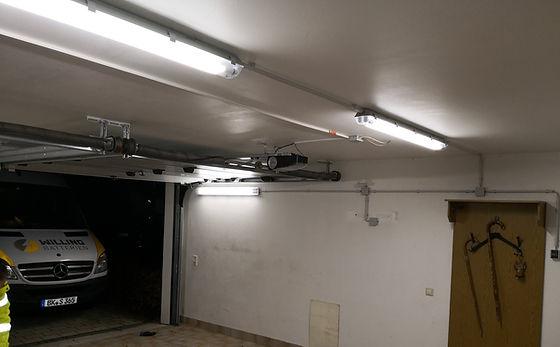 Elektroinstallation einer Garage mit LED-Beleuchtung und einer Lichtautomatik