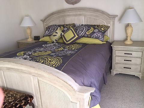 BedroomKing2.JPG