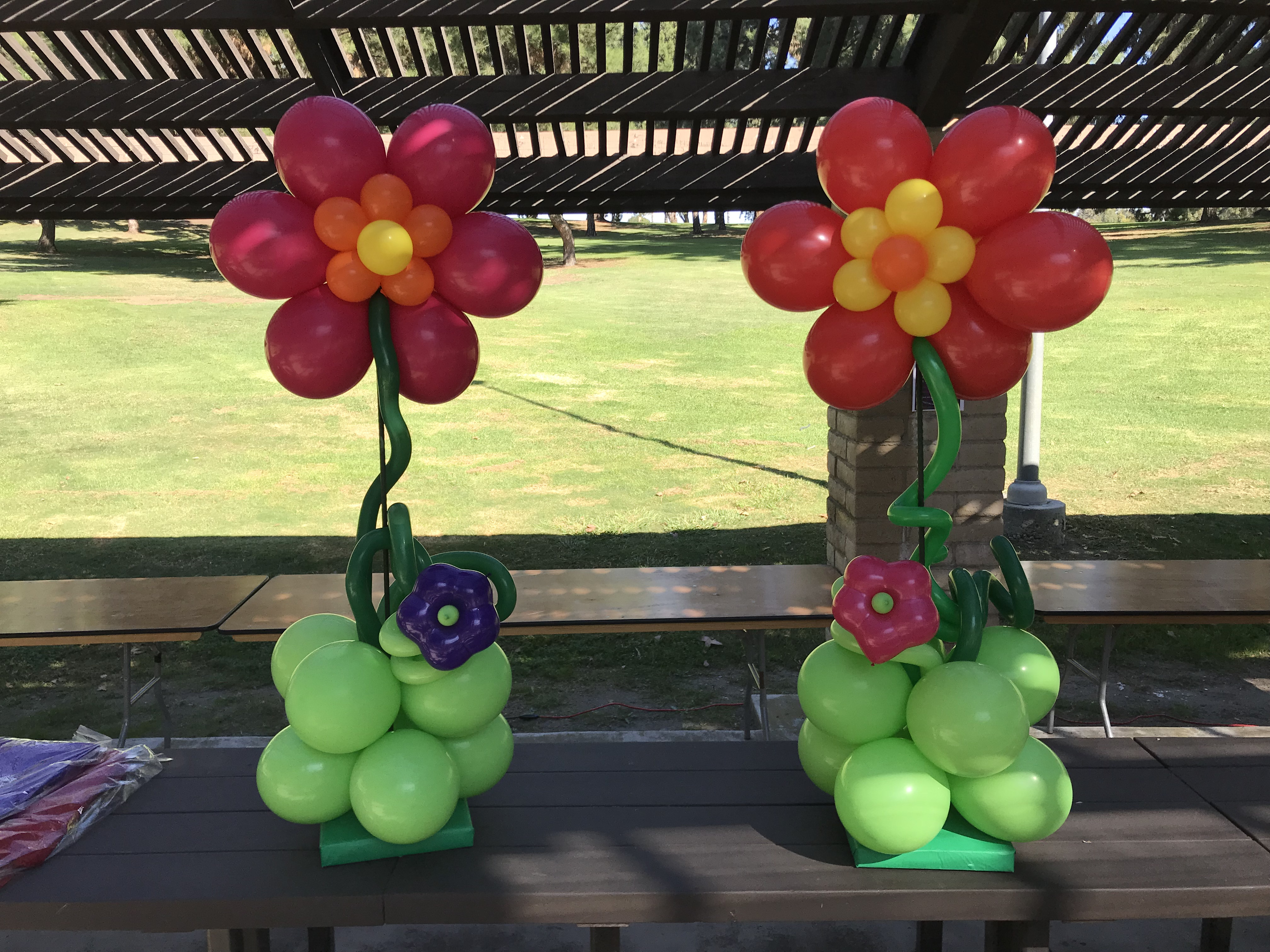 Large Flowers Table Top