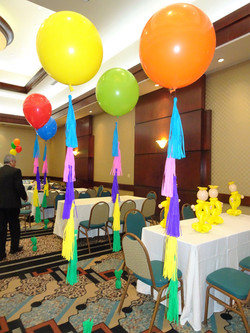 24' Latex ballon with Tassells