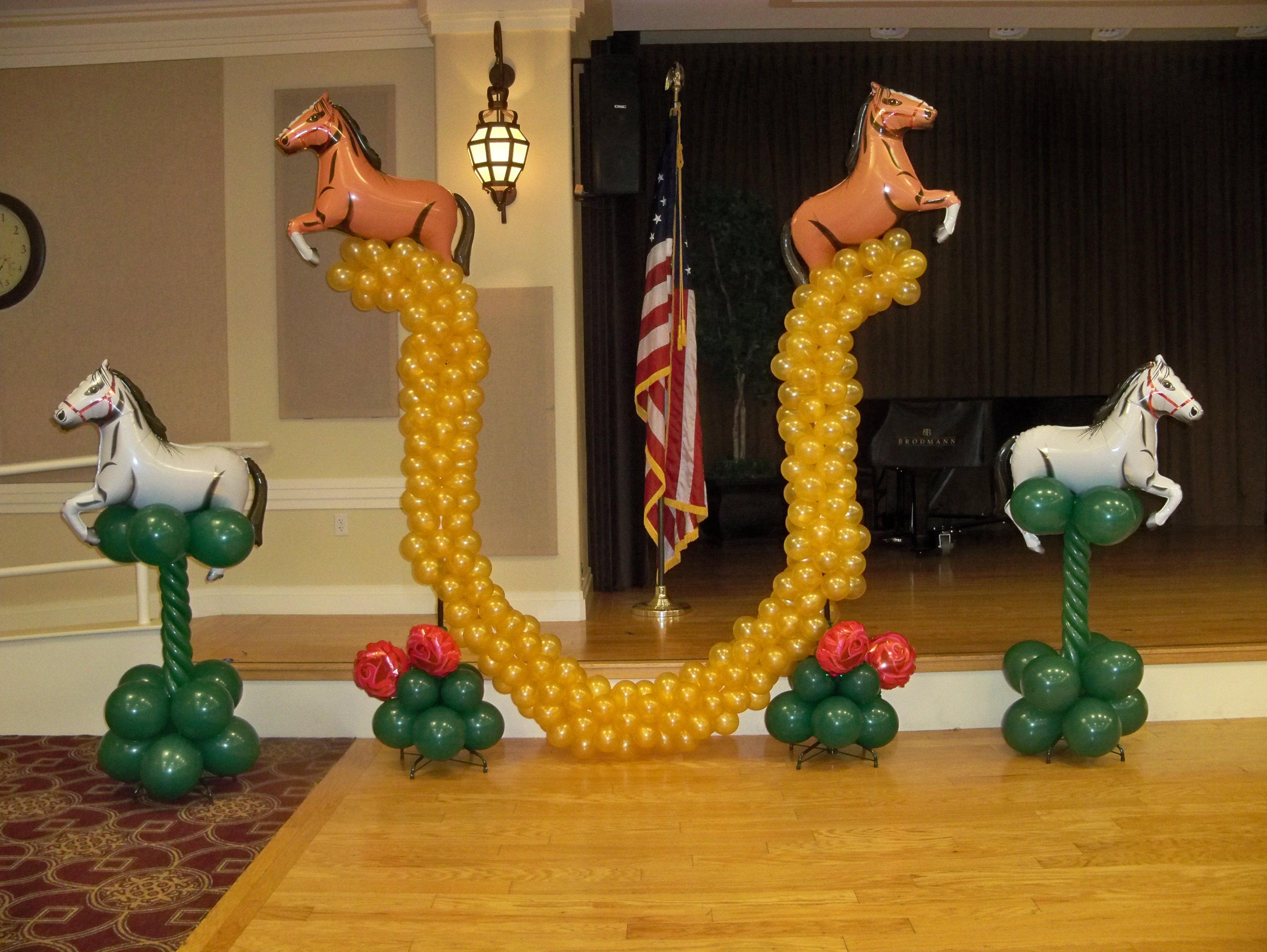 Shoehorse Balloon Decorations
