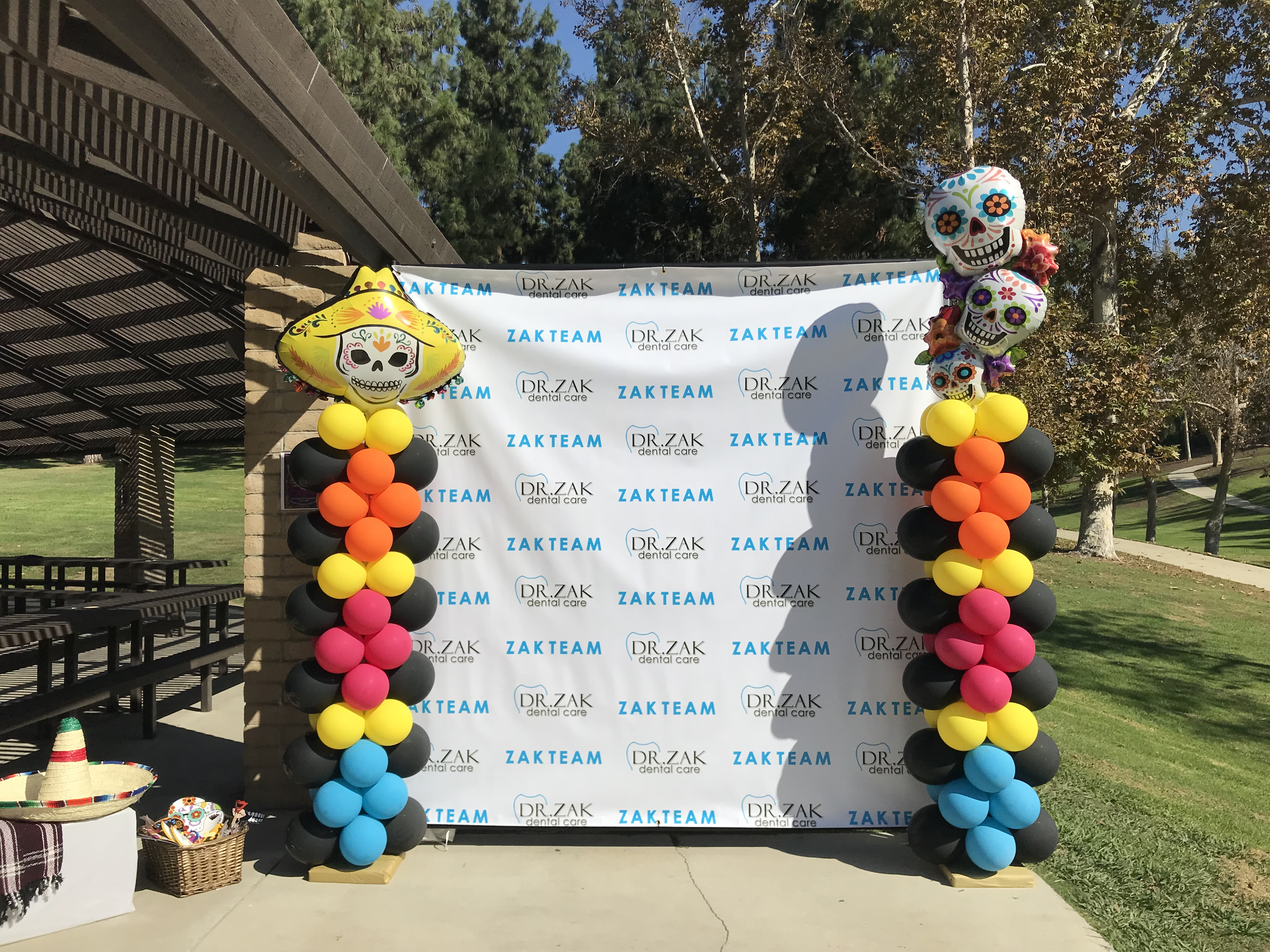 Step and Repeat Balloon Columns