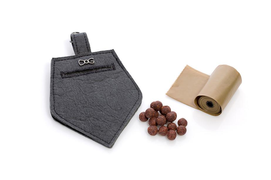 Pratica borsetta per premietti e sacchetti per rifiuti