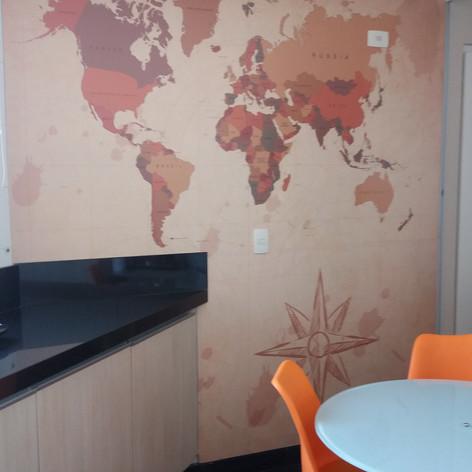 Adesivo mapa na cozinha