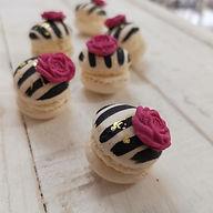 Raspberry Macaroons