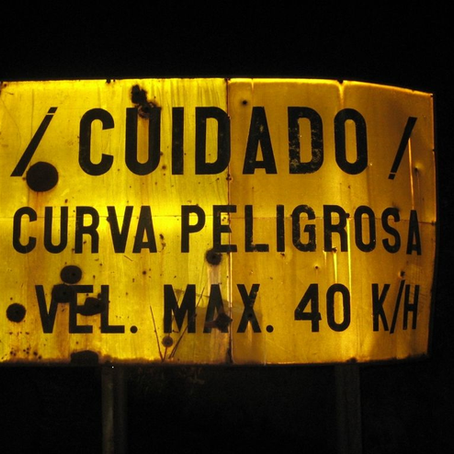 Dangerous Curves - Curvas Peligrosas - ...the serialization