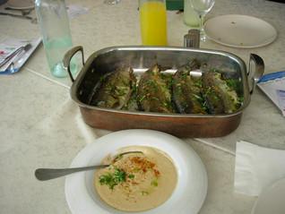 איך אוכלים דגים שלמים בבית, במסעדה או באולם אירועים, ולא חוששים מהעצמות?