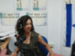 סימה ברדיו 3.jpeg