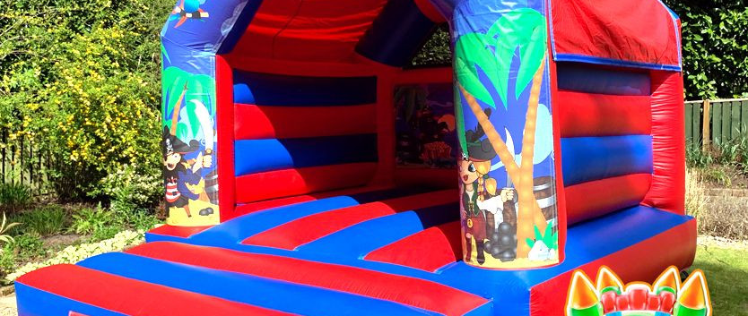 Pirate Bouncy Castle with SlidePirates---2-compressor.jpg