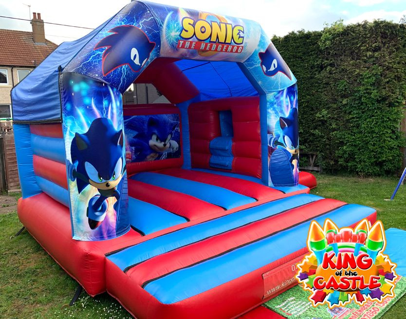 Sonic the Hedgehog Bouncy Castle with Slide
