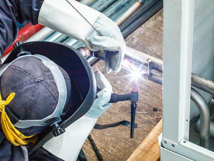 homepage-welder.jpg