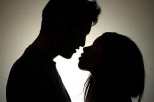 infidelity-warning-signs-secrets-300x200