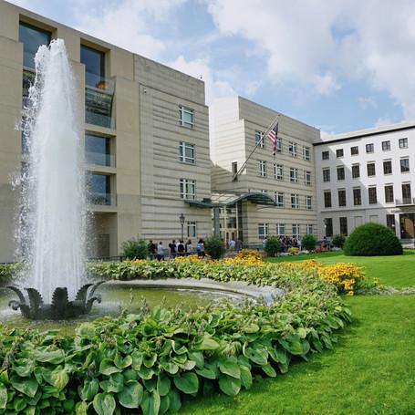 bigstock-Usa-Embassy-In-Berlin--The-Am-3