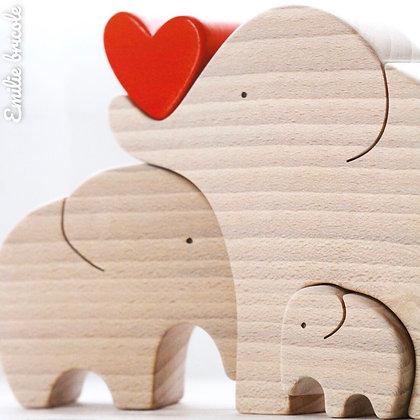 Famille de 3 éléphants au cœur rouge