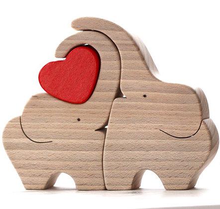Duo d'éléphants au cœur rouge