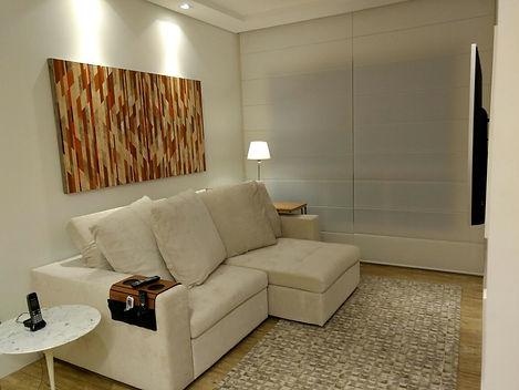 sala de estar com quadro Ferraciolli.jpg