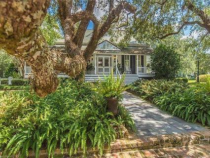 house photo for website.jpg