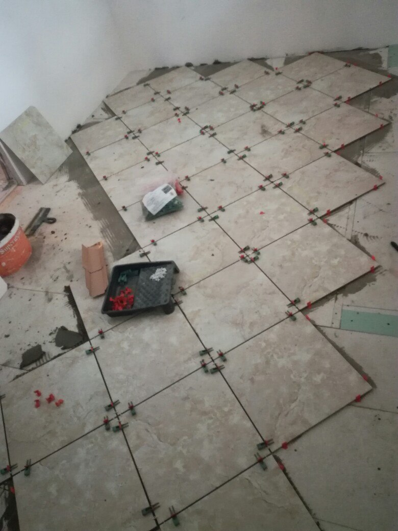 Укладка плитки на неровность