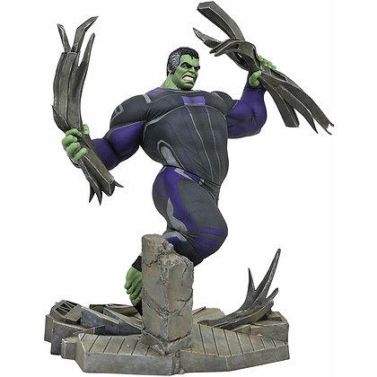 Figura Tracksuit Hulk Diorama Vengadores Endgame Diorama Marvel Gallery - 23 cm