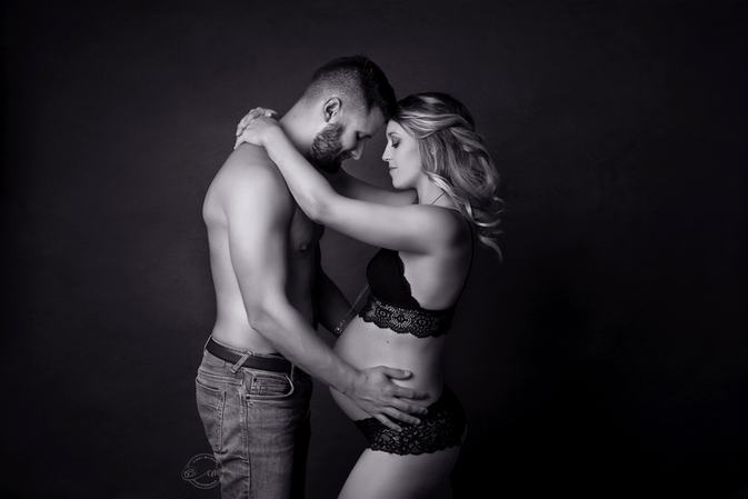 photographe femme enceinte geneve.png