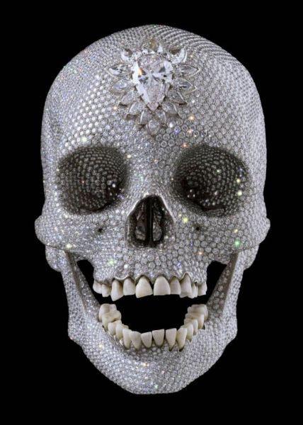 Danien Hirst teschio diamanti