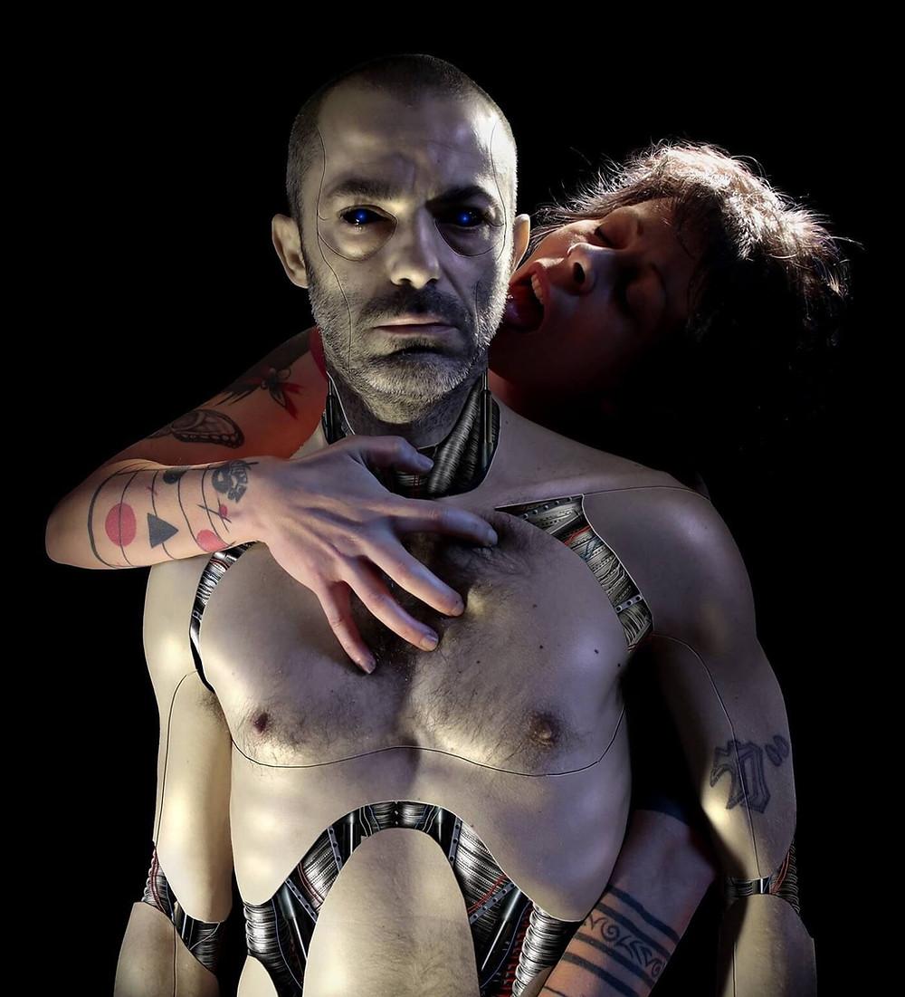 L'artista Ivan Pes tra digital art e cyborg