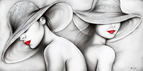 Volti di Donne con Cappello