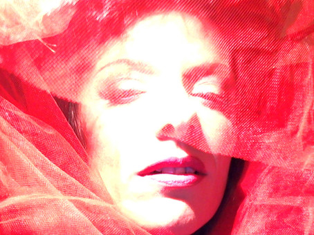 Gif Red Woman by Antonella Sportelli