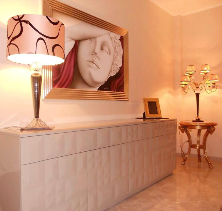 quadro moderno Canova abbinato con arredamento classico