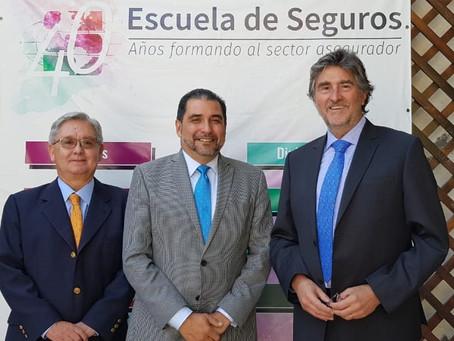 La Escuela de Seguros de Chile y FEDESEG firman un convenio de colaboración