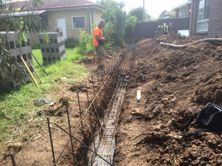 Landscape construction, Retaing Wall, steel work