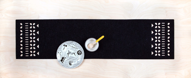 SCANDI table runner (anthracite)