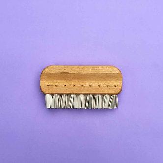 Natural lint brush