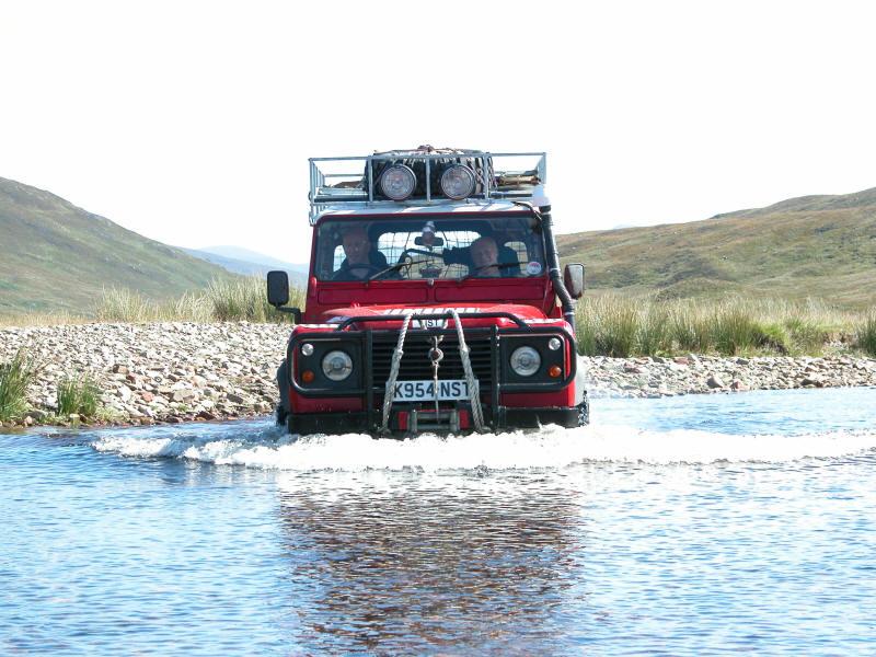 defender 90 river crossing