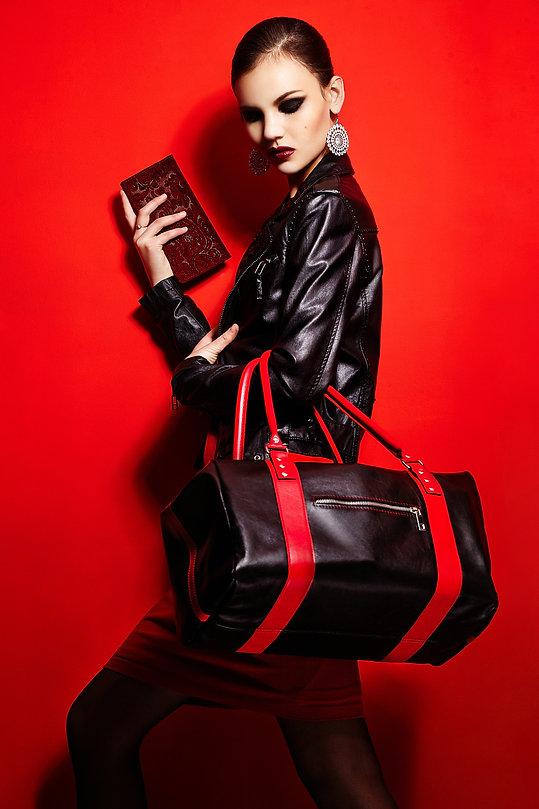 high-fashion-look-glamor-closeup-portrai