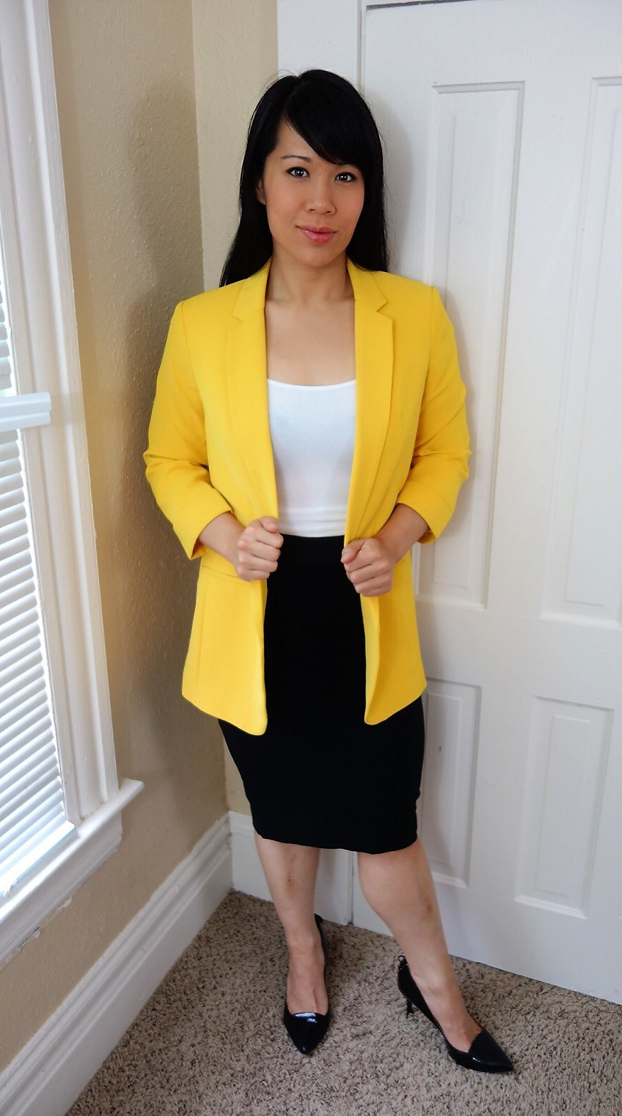 Kat wearing boyfriend blazer with pencil skirt