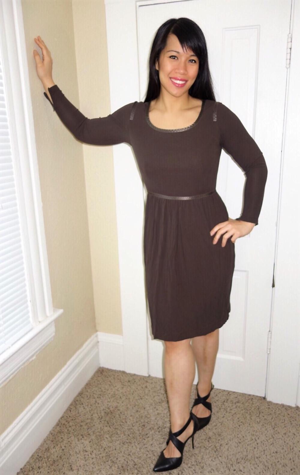 Kat wearing a sheath dress to illustrate minimalist style