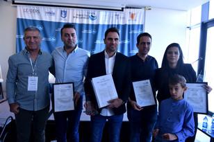פרס העיתונאים המצטיינים בישראלהוענק לתמיר סטיינמן (חדשות 12) ואלמוג בוקר (חדשות 13)