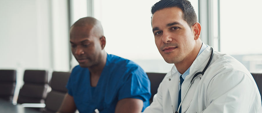 young-male-doctors-LY634ZS.jpg