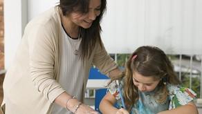 Crianças com dificuldade na escola: como os pais podem ajudar em casa?
