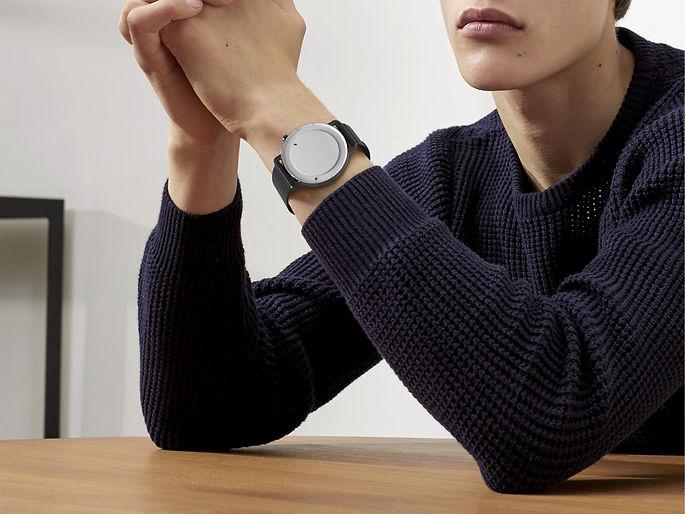 04_KRAFT_Smartwatch_Behance_Fotomontaje