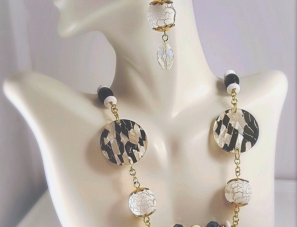 White, Black and Gold with Crackle Necklace