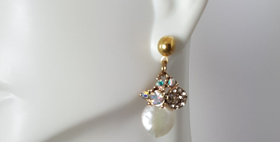 Mother-of-Pearl Rhinestone with Gold Posts Earrings