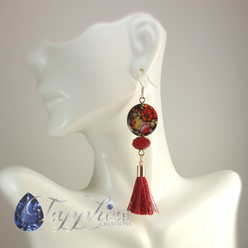 Floral Shell Round Red Tassel.