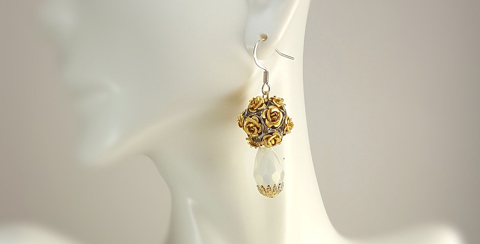 Metal Rose Earrings - Gold