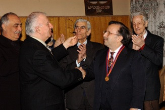 Being awarded the medal of Prince of the Arts  (Yerevan, Armenia, 2006)