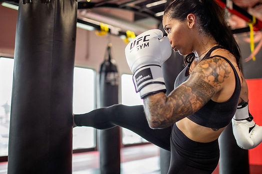 4_Classes_MMAInspired_Kickboxing.jpg