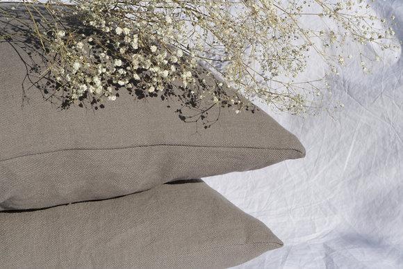 Tie throw pillow case