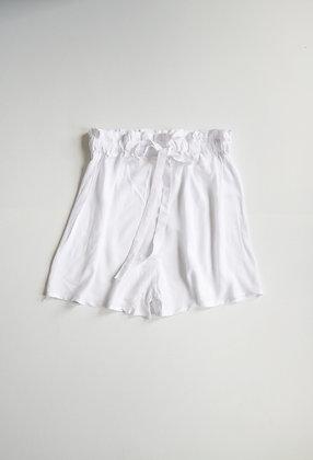 White high-waisted short